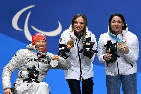Марта Зайнуллина, Оксана Мастерс и Андреа Эскау (справа налево)