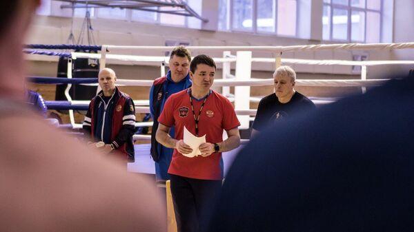 Главный тренер сборной России по боксу Эдуард Кравцов