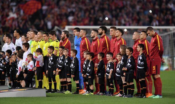 Футболисты Ромы и Ливерпуля