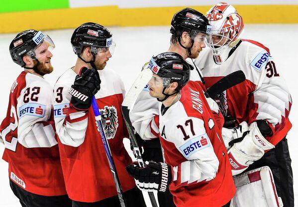 Хоккеисты сборной Австрии