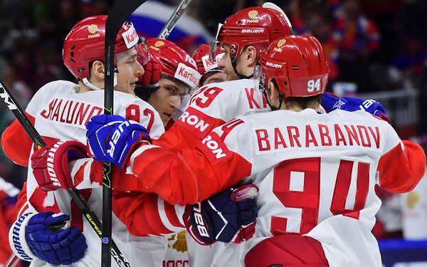 Хоккеисты сборной России Александр Барабанов, Илья Каблуков, России Никита Зайцев и Максим Шалунов (справа налево)