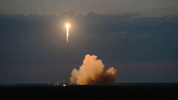 Пуск ракеты Союз-2.1Б с российским навигационным космическим аппаратом Глонасс-М с космодрома Плесецк
