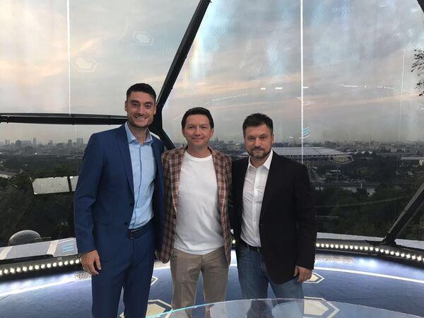 Альберт Риера (слева), Игорь Корнеев (справа) и Георгий Черданцев