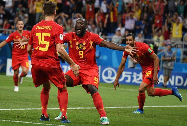 Футболисты сборной Бельгии Тома Мёнье, Ромелу Лукаку и Насер Шадли