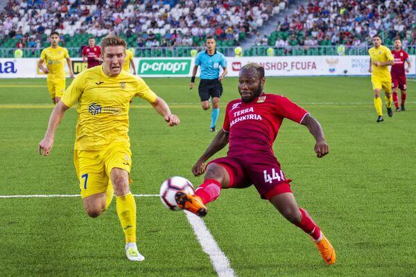 Игровой момент матча Уфа - Домжале