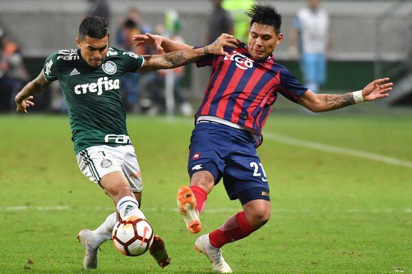 Игровой эпизод матча Палмейрас - Серро Портеньо