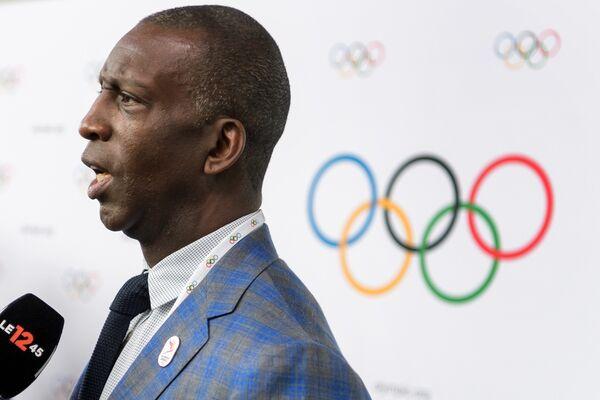 Четырехкратный олимпийский чемпион в беге Майкл Джонсон