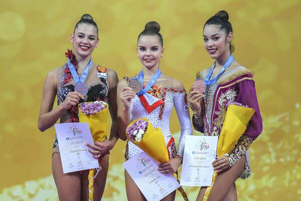 Александра Солдатова, Дина Аверина и Александра Агиргикулезе (слева направо)