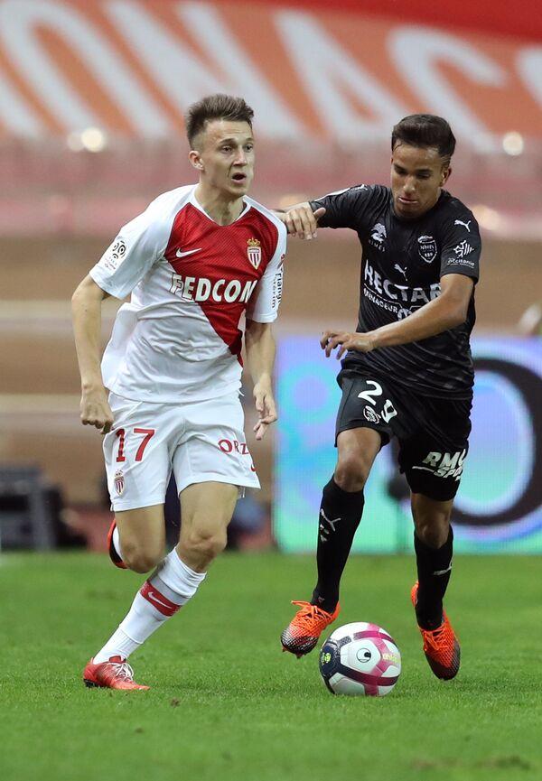 Хавбек Монако Александр Головин (слева) в матче против Нима
