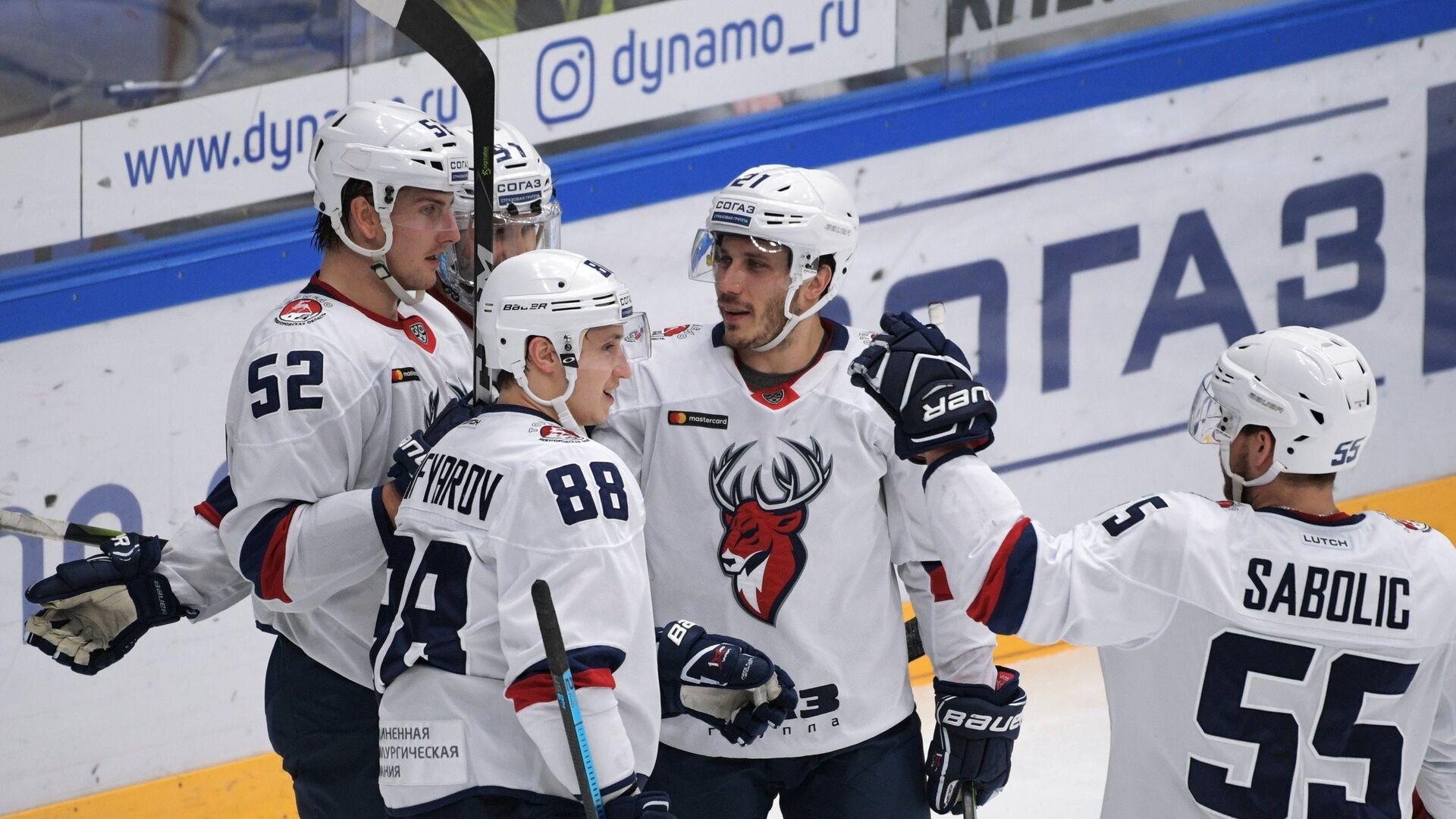 Хоккеисты Торпедо радуются заброшенной шайбе - РИА Новости, 1920, 01.02.2021