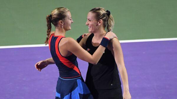Кристина Младенович и Темя Бабош (справа)