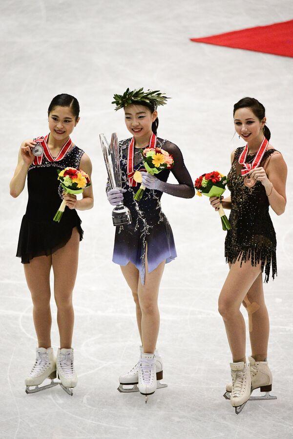 Елизавета Туктамышева (справа), Сатоко Мияхара (слева) и Рика Кихира