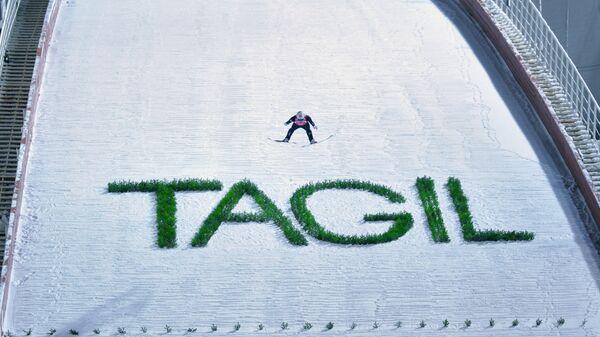 Йоханн Андре Форфанг (Норвегия) во время соревнований по прыжкам на лыжах с трамплина среди мужчин на этапе Кубка мира в Нижнем Тагиле