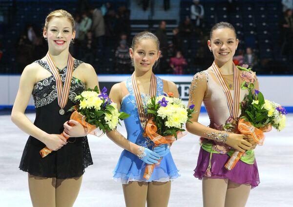 Грэйси Голд, Юлия Липницкая и Аделина Сотникова (слева направо)