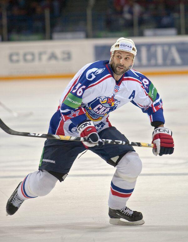 Хоккеист Сергей Зубов