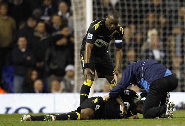 Муамба внезапно потерял сознание в матче 1/4 финала Кубка Англии с Тоттенхэмом