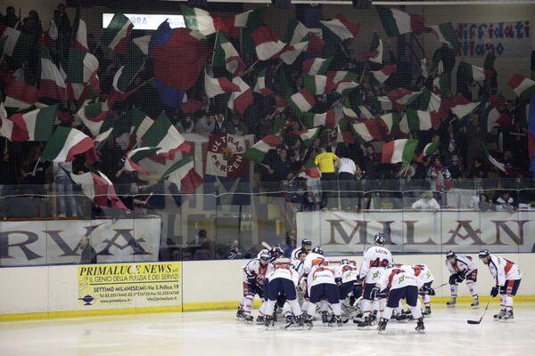 Хоккеисты Милана