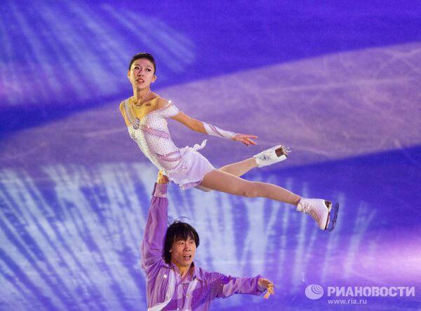 Китайские фигуристы Цин Пан и Цзянь Тун