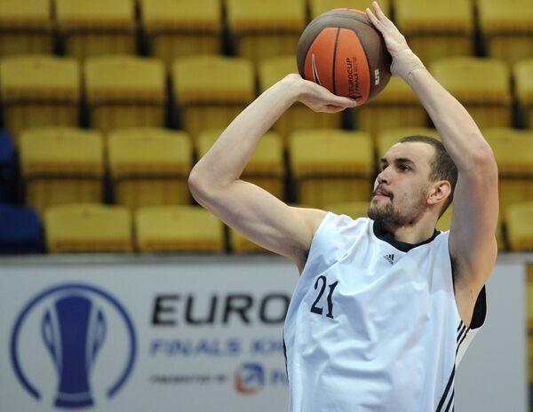 Алексей Жуканенко