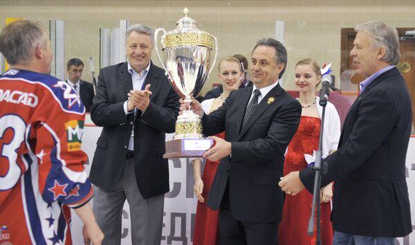Александр Якушев, Виталий Мутко, Вячеслав Фетисов (слева направо)