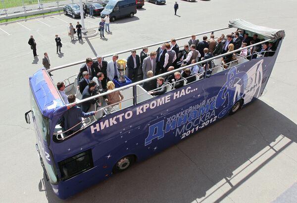 Автобус ХК Динамо