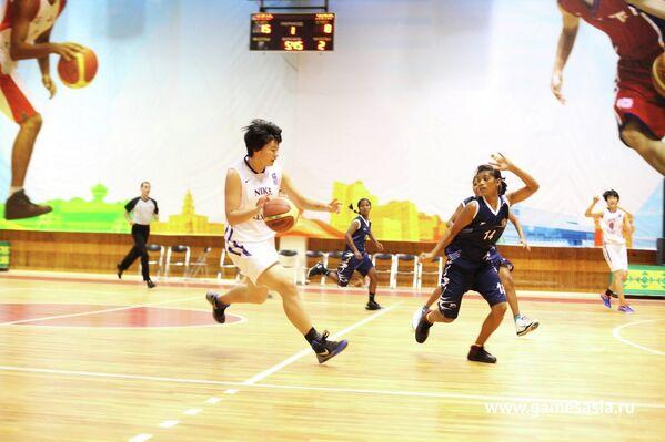 Соревнования по баскетболу между сборными Индии и Китая на V МСИ Дети Азии