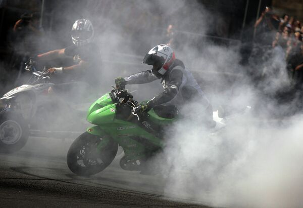 Шоу Moscow City Racing