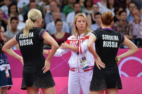 Нина Вислова, Анастасия Прокопенко и Валерия Сорокина (слева направо)