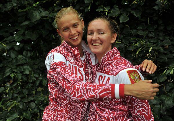 Анастасия Васина и Анна Возакова (слева направо)
