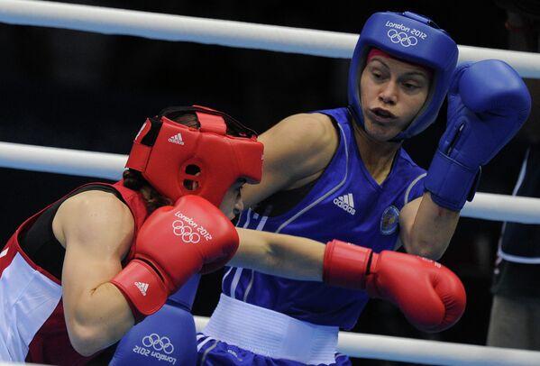 Момент финального боя Софья Очигавы и Кэти Тэйлор