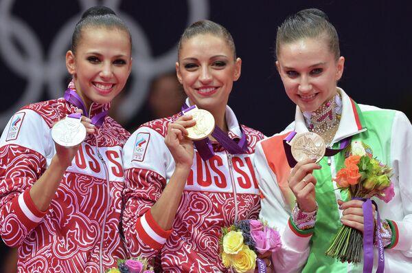 Дарья Дмитриева, Евгения Канаева и Любовь Черкашина (слева направо)