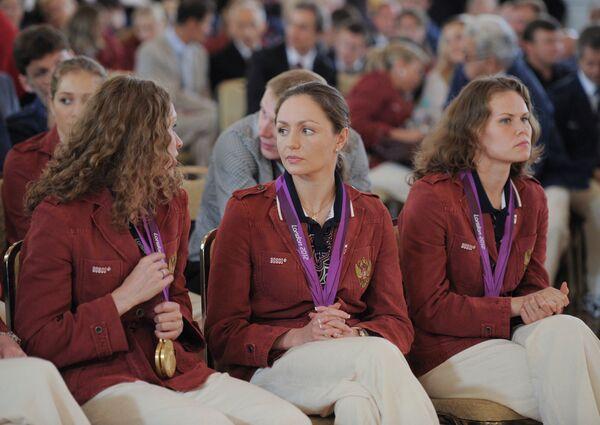 Наталья Ищенко, Анастасия Давыдова и Мария Громова (слева направо)