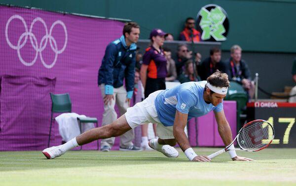 Теннисист Хуан Мартин дель Потро во время матча с швейцарцем Роджером Федерором