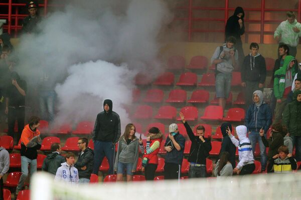Болельщики на трибунах во время матча  Анжи - АЗ