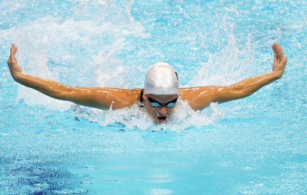 Российская спортсменка Дарья Стукалова, завоевавшая серебряную медаль на дистанции 100 метров баттерфляем, на соревнованиях по плаванию на Паралимпийских играх 2012 в Лондоне