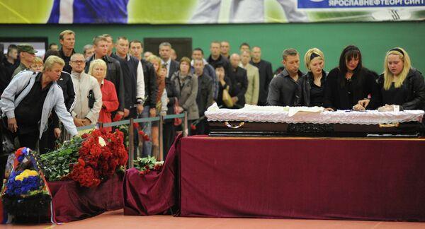 Прощание с волейбольным тренером Сергеем Овчинниковым