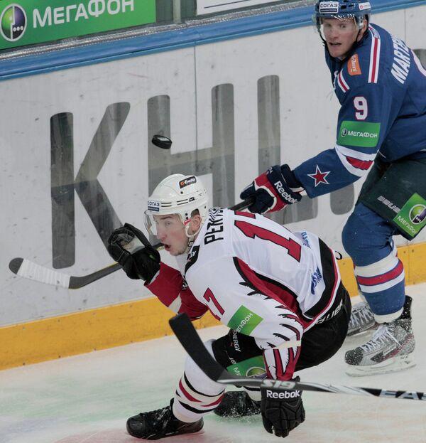Игровой момент матча СКА (Санкт-Петербург) - Авангард (Омск)