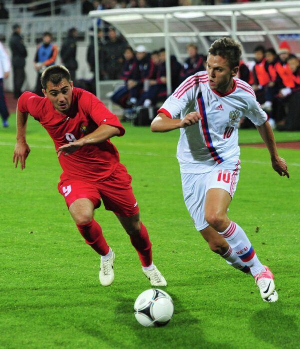 Игровой момент матча молодежных сборных России и Молдавии
