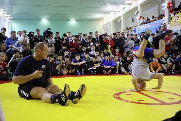 Мастер-класс трехкратного олимпийского чемпиона по греко-римской борьбе Александра Карелина