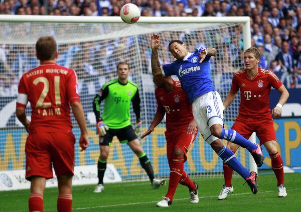 Игровой момент матча Бавария - Шальке
