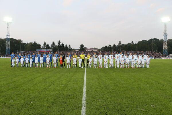 Футбольные команды Балтики и Зенита