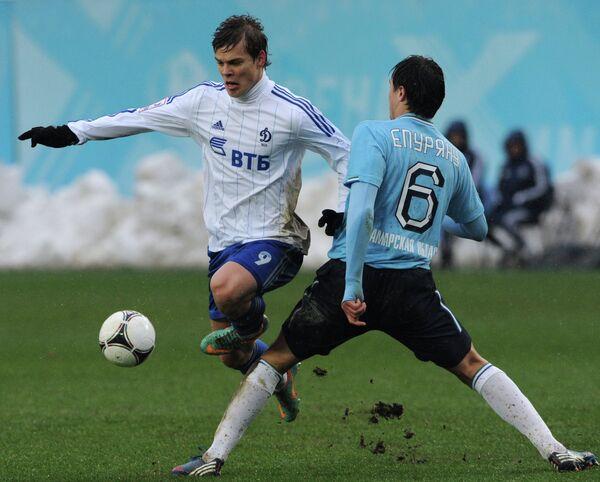 Игровой момент матча Динамо - Крылья Советов