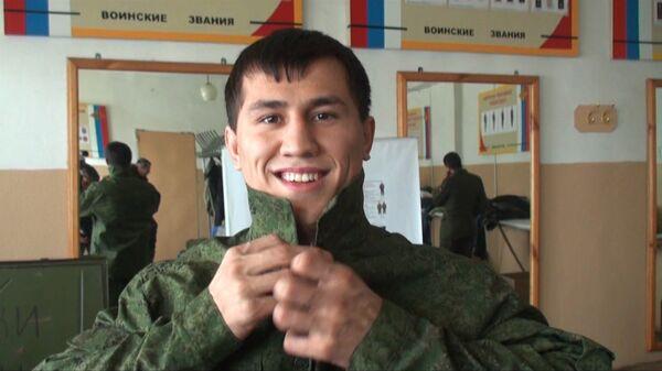 Олимпиец Власов надел армейскую форму и ушел служить во внутренние войска