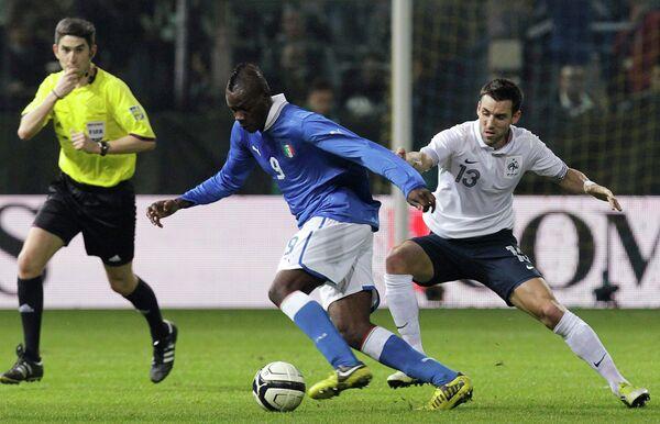 Игровой момент матча Франция - Италия