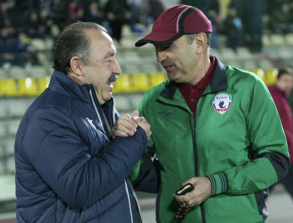 Валерий Газзаев и главный тренер Рубина Курбан Бердыев (слева направо)