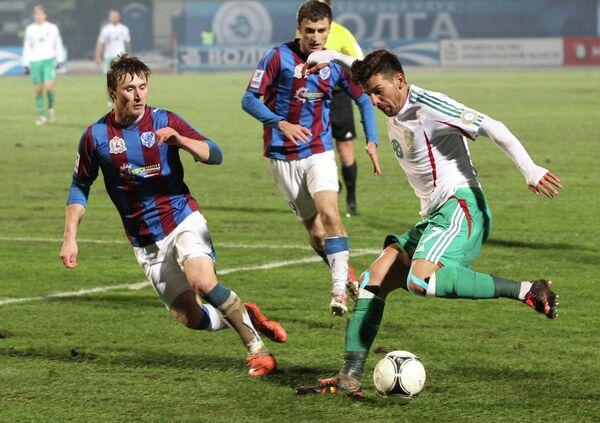 Игровой момент матча Волга - Терек