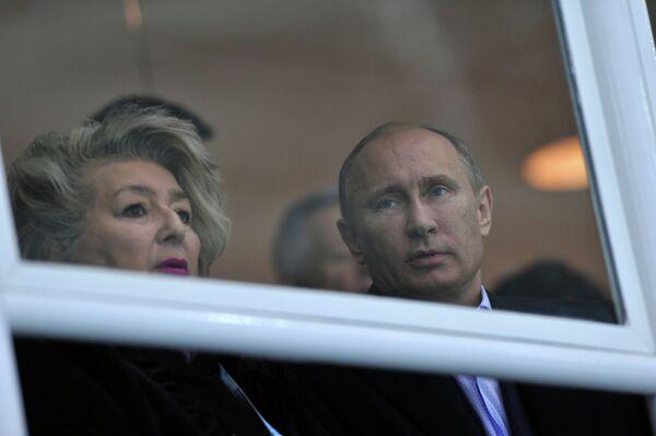 Владимир Путин и Татьяна Тарасова (слева направо)