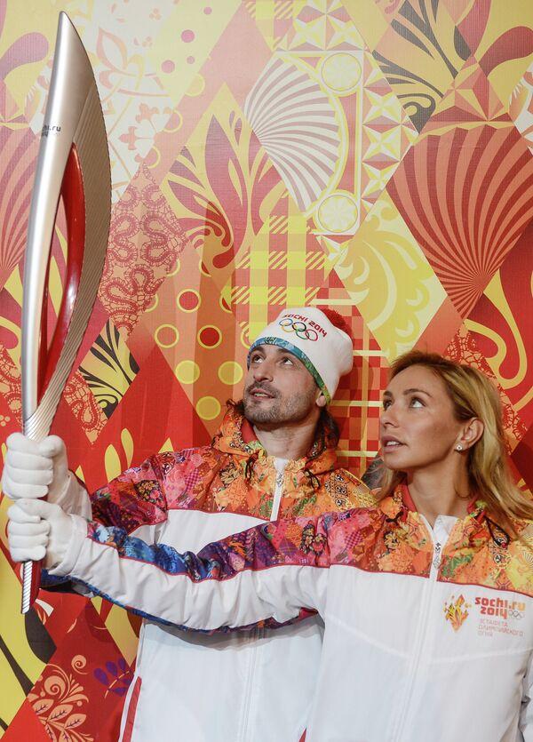 Презентация факела и униформы эстафеты Олимпийского огня