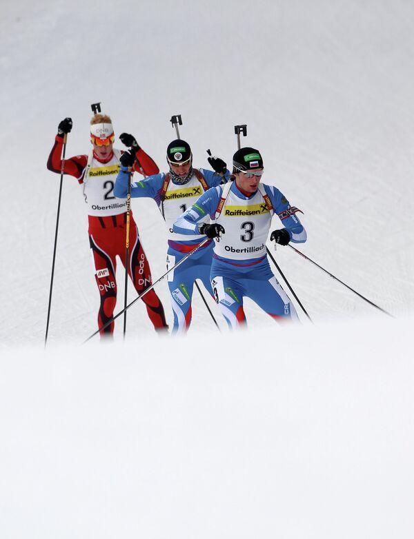 Норвежец Йоханнес Бе, россияне Максим Цветков, Александр Логинов (слева направо)