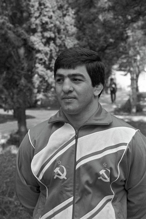 Левон Джулфалакян